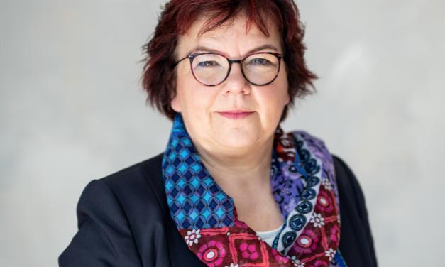 Dr. Claudia Eberle neue Schulleiterin der RJ-Gesamtschule