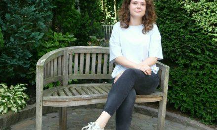 Jolina Sass kümmert sich ehrenamtlich um Menschen mit Behinderung