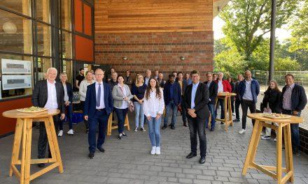Neues Gebäude an Gesamtschule übergeben